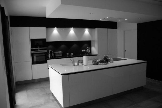 bezannes 51430 2 cuisines garnotel reims. Black Bedroom Furniture Sets. Home Design Ideas
