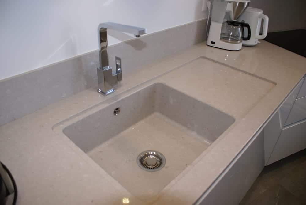 plan de travail en quartz pourquoi nous vous le conseillons cuisines garnotel reims. Black Bedroom Furniture Sets. Home Design Ideas